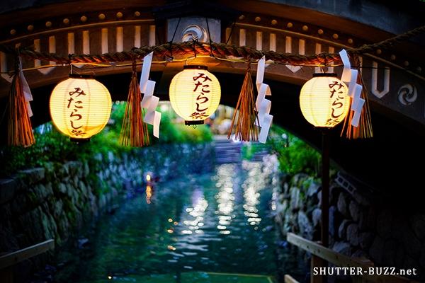 京都・下鴨神社。御手洗神の煌めき